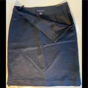 Women's Banana Republic Size 2P Black Skirt